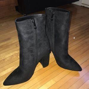 Black Pretty Little Thing Heel Booties